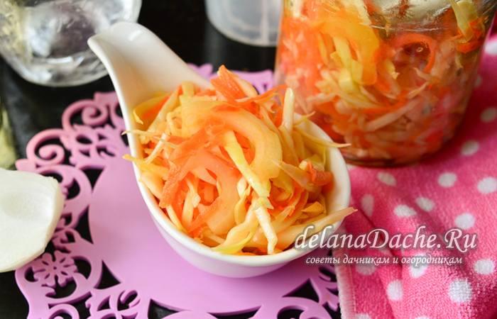 салат из капусты с перцем, луком и морковью